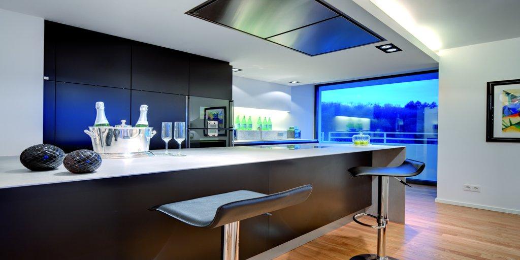 dunstabzugshauben, kochfelder und kühlgeräte - o+f menden | o+f a-line - Deckenlüfter Küche Umluft